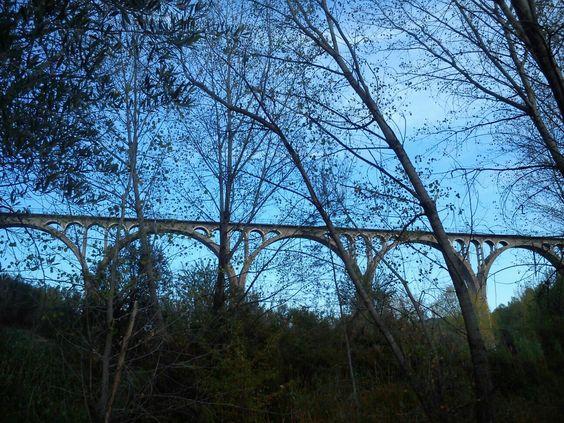 Puente de las siete lunas,en realidad tiene 8,en Alcoi . Incluido en uno de los tramos a realizar en la vía verde.