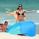 Christine Fernandes se irrita com paparazzo na praia! http://odia.ig.com.br/diversao/celebridades/2015-01-30/christine-fernandes-se-irrita-com-paparazzo-na-praia.html