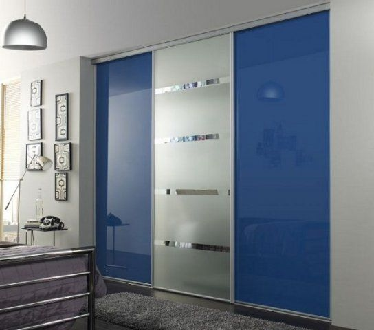 Check Blue glass and mirror sliding door wardrobe Black