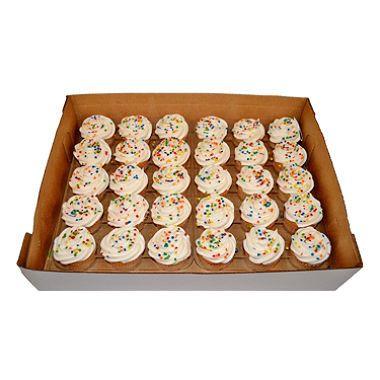 Daily Chef White & Chocolate Cupcakes w/ White Buttercream  (30ct.)