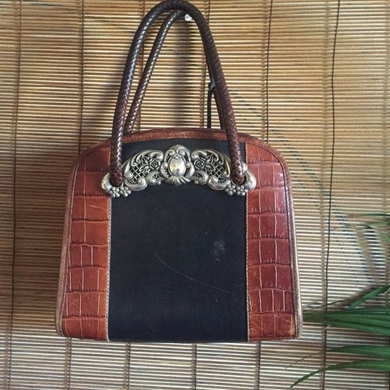 ❤️V-Day Deal Flash Sale❤️ Vintage Brighton Purse Classic Vintage Brighton Bowler type bag with interior zip pocket with signature rope and charm. The charm has some vintage tarnish and the bags has scratches (Visible in photos) Brighton Bags