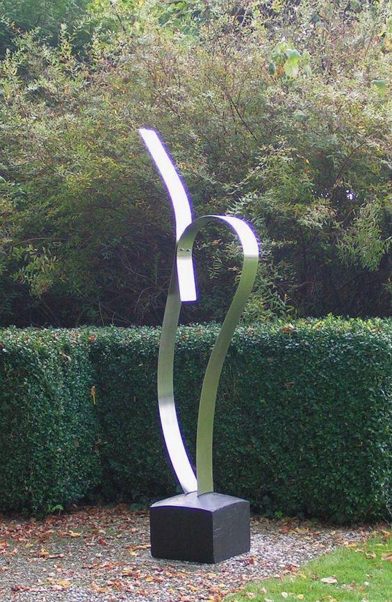 Tuinbeelden Tuinbeeld Rvs Tuinkunst Modern Moderne