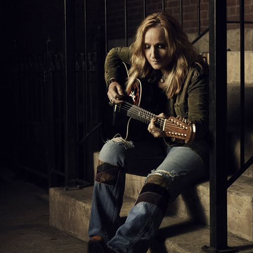 Melissa Etheridge looking fine...