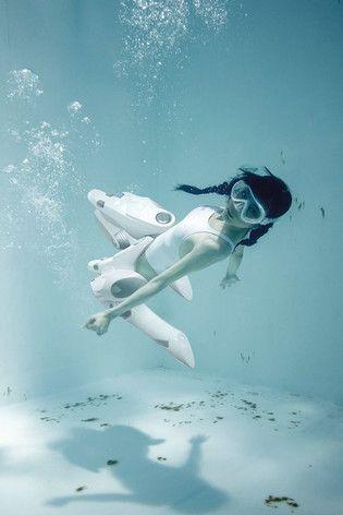 Underwater Mecha Knee Socks! Suichou Niso Plus - Book Combining Knee-High Socks + Girls Underwater to Release