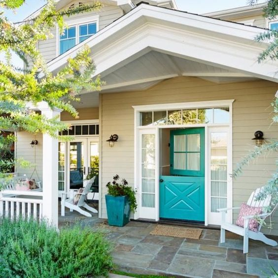 Dreaming of a turquoise Dutch door! I love this so much. This my dream home!! Can I move in please?! Source// Pinterest. #homedecor #homedesign #interiordesign #exteriordesign #pinterest