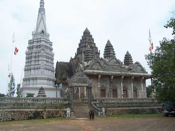 Ngôi chùa nổi tiếng linh thiêng với kiến trúc lâu đời của Campuchia