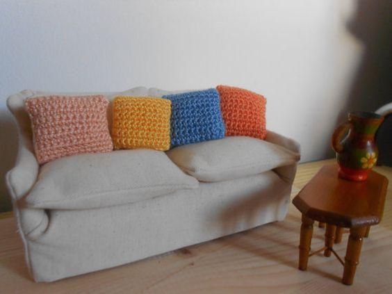 Cuscino per casa di bambole mini cuscino fatto di lepropostedimari, €2.50
