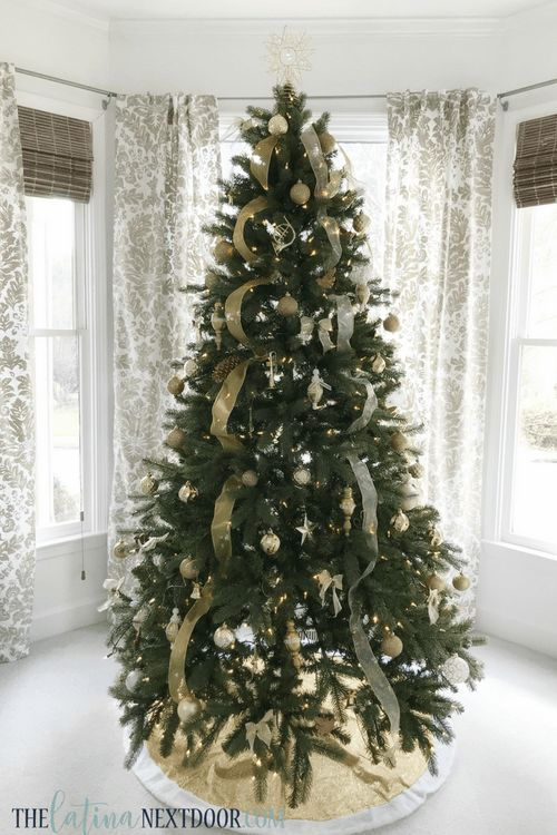 Simple Gold Christmas Tree The Latina Next Door Gold Christmas Tree Gold Christmas Tree Decorations Elegant Christmas Decor