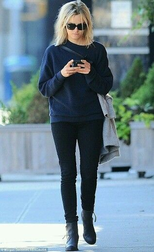 Taylor Schilling is a fashion icon, right?