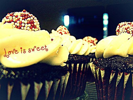 -Alicia Diaz  chocolate valentines day cupcakes