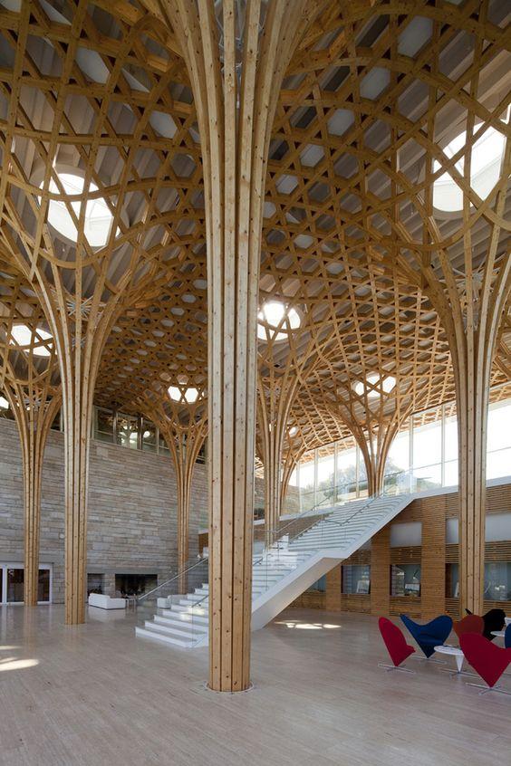 Nine Bridges Country Club / Shigeru Ban Architects (Corée du Sud) Un nouveau club house sur un terrain de golf à deux heures de Séoul en voiture. Trois bâtiments avec des structures bien différentes et une approche intéressante des méthodes de constructions traditionnelles de Corée, selon ArchDaily.