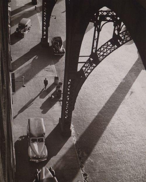NYC. André Kertész.  West 134th Street, 1944