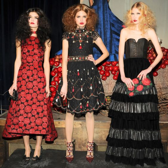 The 10 Best Hair Trends From The Fall 2014 NYFW Runways #nyfw #hair #runway #beauty #hairtrends #runwaylook #fashion #trend #style #hairstyles #besthairstyles #aliceandolivia #wonderland #fairytale #staceybendet #voluminoushair #loosewaves #victorian http://ow.ly/tIghc