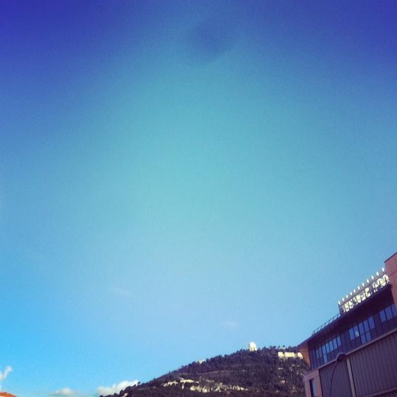 Sous le soleil #Nice #taff #soleil by pyro94450 at http://ift.tt/1m8frpg