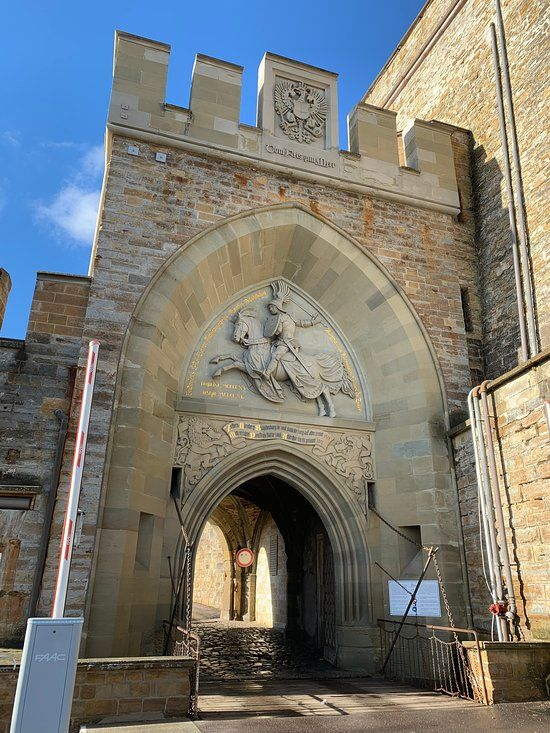 Burg Hohenzollern Hechingen Prettiest Castles Hohenzollern Castle Castle On The Hill