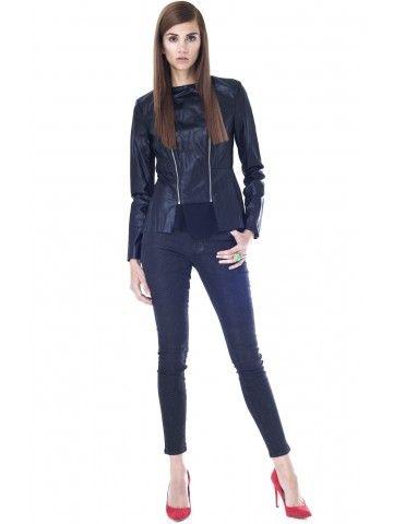 Chaquetas de Cuero | Leather Jackets  Prendas clave para toda la vida #MustHave Lewis Jacket en Cuero Vegetal de Walter Baker en www.styleto.co