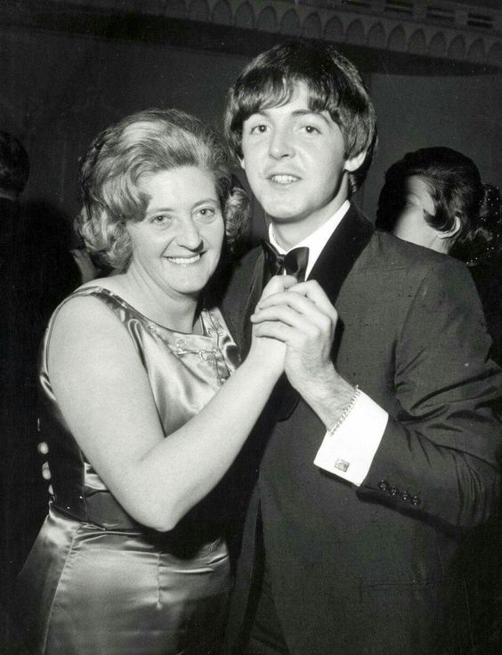 Paul McCartney with his Auntie Joan (Jin)