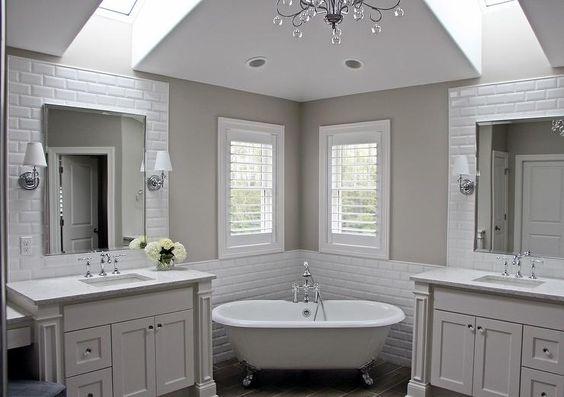 Amazing master bathroom features a corner claw foot tub for Amazing master bathrooms