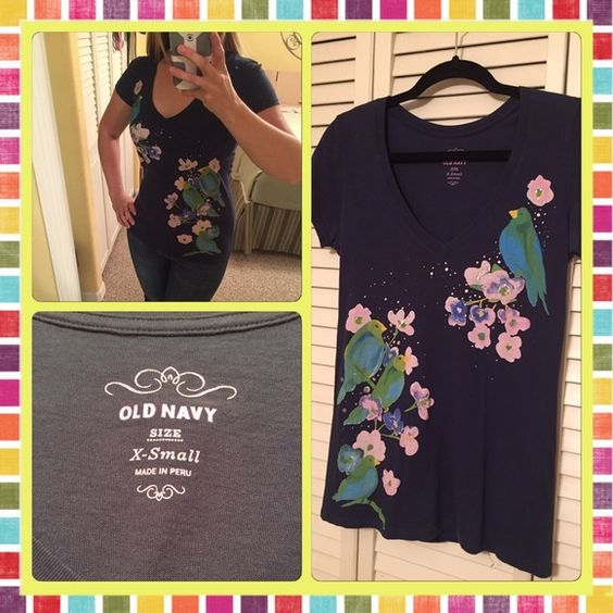 Adorable Old Navy Tee / Size XS Super cute Old Navy v-neck tee with bird and floral design. So colorful!! Old Navy Tops Tees - Short Sleeve