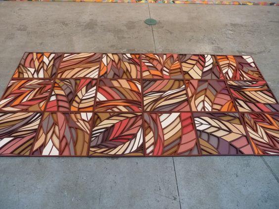 Painel linha Indochina. Estrutura tridimensional recortada em papel com aplicação de papéis coloridos.