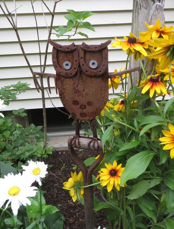 garden owl on antique shovel--cute