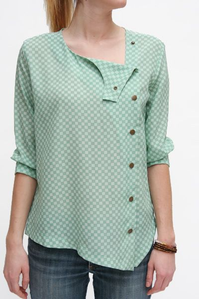 lina rennell 100% silk crepe snap top. ethically made in northern california