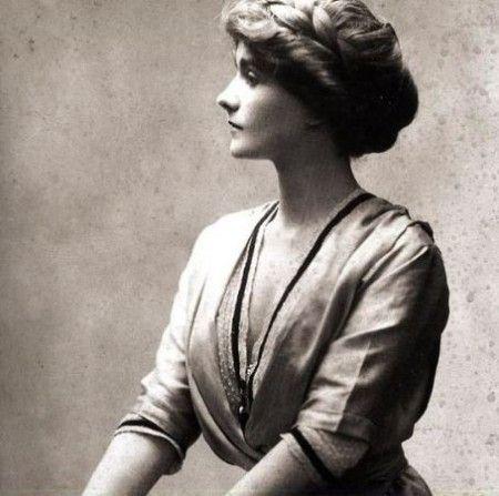 Mademoiselle Chanel, portrait, vintage, trends, photo, sapira, fashion, female, woman, history