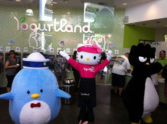 Yogurtland Universal CityWalk with Sanrio!