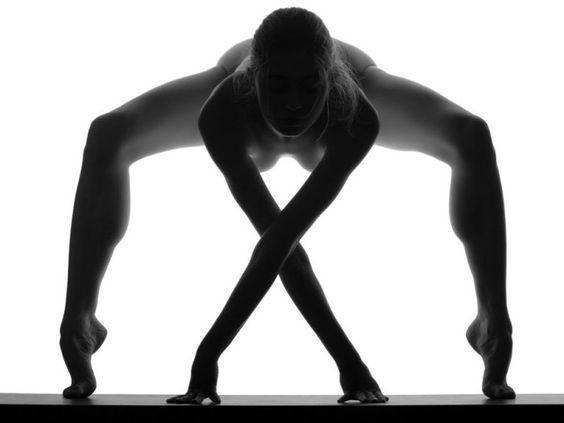 A nudez abstrata do fotógrafo Waclaw Wantuch | Coletivo Mínimo
