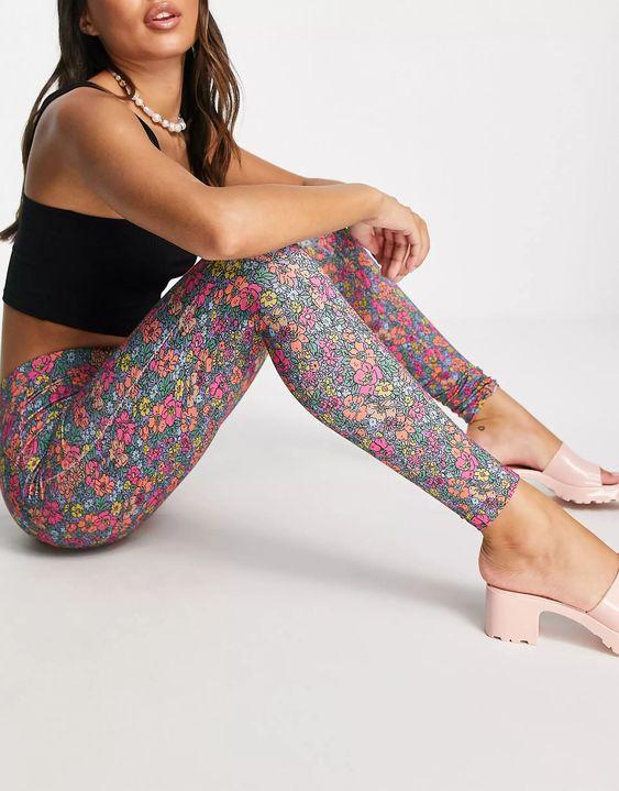 ASOS DESIGN legging in lilac floral print