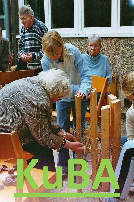 KuBA: Kunstbegleiter im Alter Weiterbildung zur Künstlerischen Betreuungskraft nach §87b Abs. 3 SGB XI Die Weiterbildung richtet sich an Künstler, künstlerische Therapeuten und Kunstpädagogen aller künstlerischen Disziplinen, die als Kunstbegleiter von Menschen mit Demenz tätig werden wollen. Das nächste Ausbildungsjahr startet im September. Jetzt können Sie sich bewerben! Näheres unter http://www.i-ser.de/