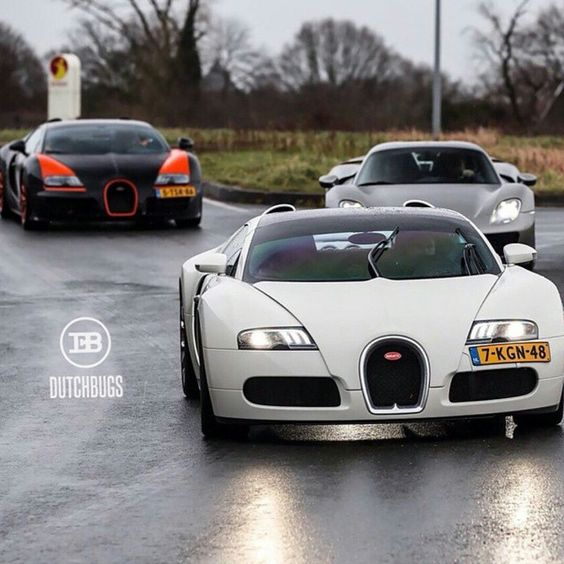 DutchBugs Attack!  Follow our Friend @DutchBugs for more incredible photos of his 3 Bugatti Veyron collection @DutchBugs  #  Photo by @kenozache