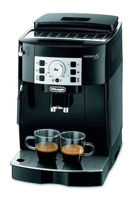 Como podrás comprobar, nos encanta el café. Por eso nos gusta poder elegir y recomendar cafeteras que se ajusten a cada persona. En este caso le toca a la Cafetera express automática DeLonghi Magnifica S #Café #Desayuno #Taza: