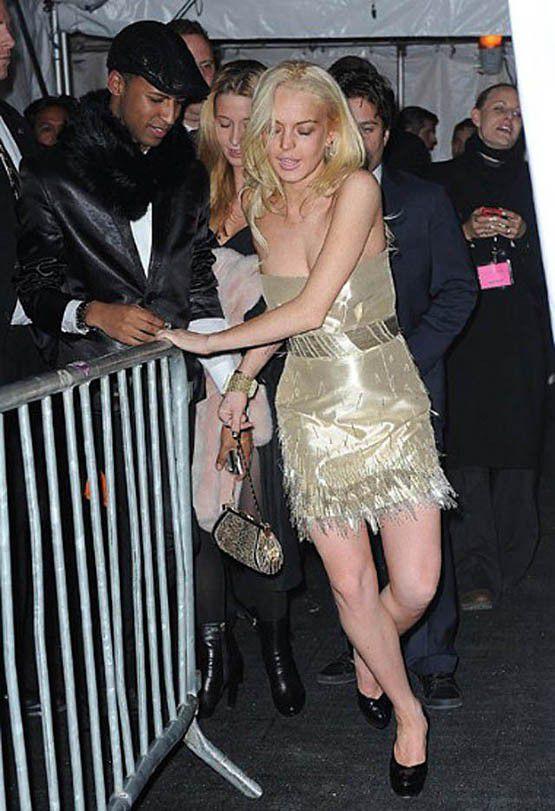 Epic Celebrity Falls-Kim,Rihanna,Lady Gaga - YouTube