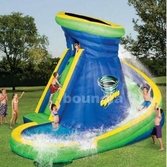 Scivoli gonfiabili per piscine straordinaria piscina - Piscine con scivoli ...