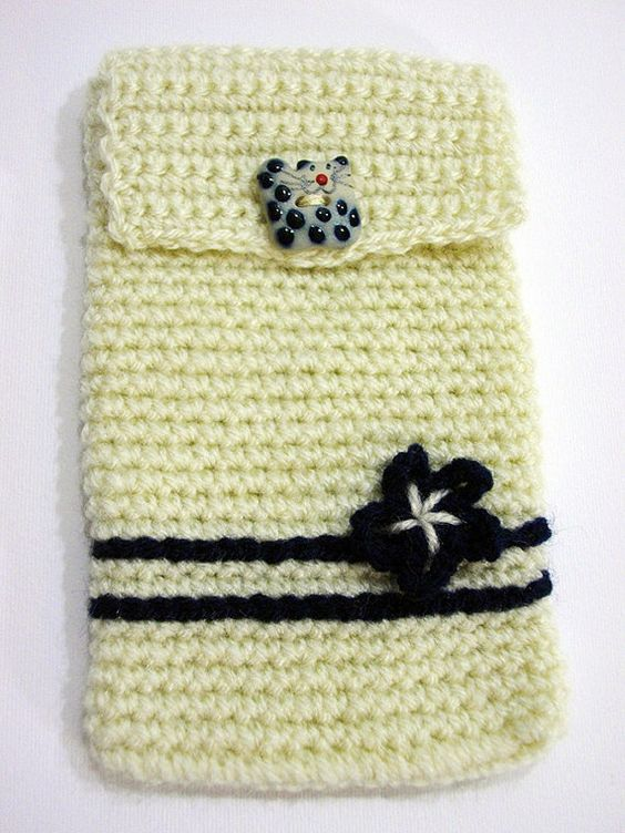 Cover Iphone crocheted  Copri Iphone all'uncinetto di PyrosePatch