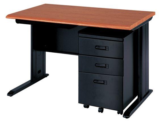 Escritorio secretarial marca Steel Office de 1.20 mts x 0.70 mts con gavetero rodanate independiente con propias llaves para seguridad del usuario $228.00
