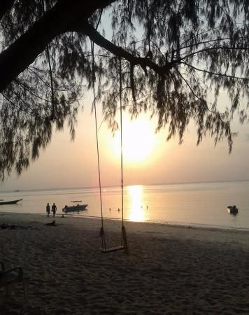 Backpacking thailand - koh phangan visit this place full of adventure, night life and amazing beaches! There is more to this island than the big parties click to discover more