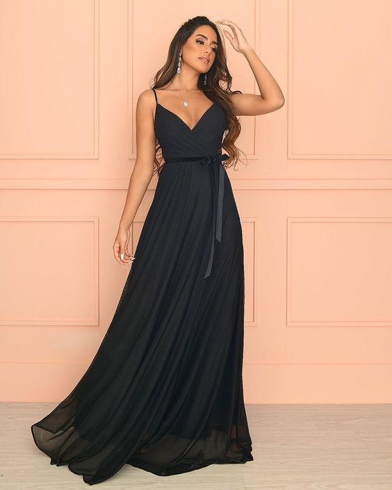 Vestido de formatura preto fofo