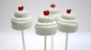 Marie Antoinette Party Theme: cake pops — Linda Kaye's Partymakers