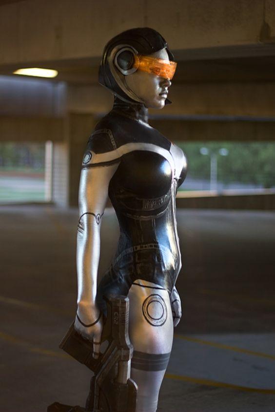 Mass Effect cosplay: