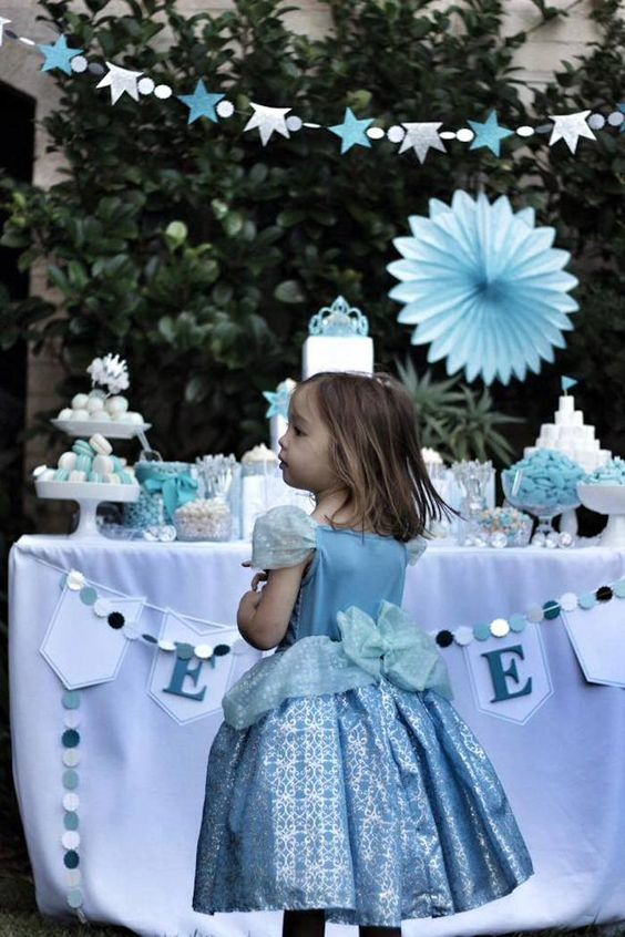 Cinderella inspired Princess Party with Such Cute Ideas via Kara's Party Ideas | Cake, decor, desserts, favors, games, and more! KarasPartyI...