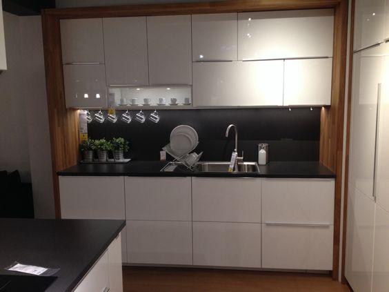 Ikea metod kitchen with worktop framing units Hausbau - ikea k che faktum wei hochglanz