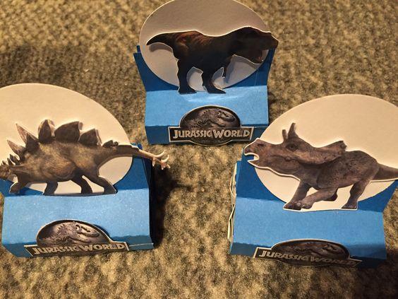 Caixa de bis dos dinossauros. Jurassic World