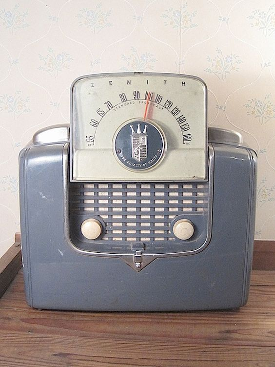 Vintage Zenith Radio (68.00 USD) by pamsantiques