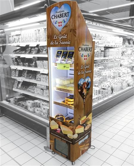 """The principle at retail is, """"If it is not seen, it is not there."""" Fruitières Chabert in French Supermarkets is definitely jumping out with this promotional #Freshboard !"""