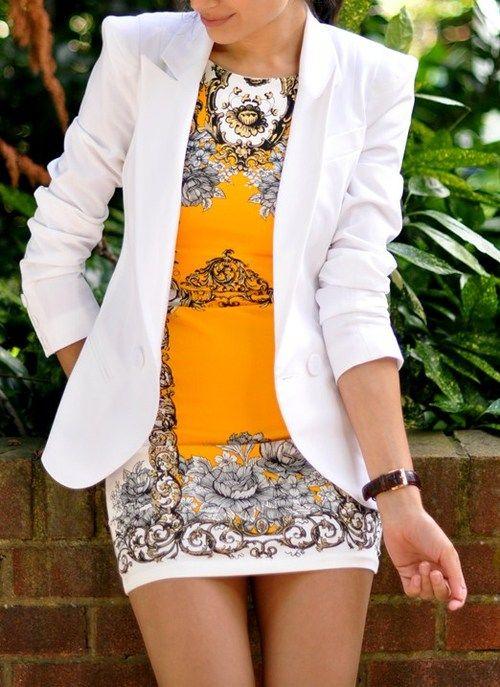 Fica lindo combinar blazer branco com vestido