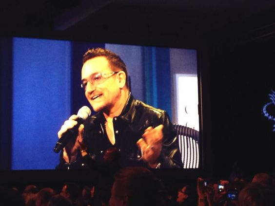 Bono at the Clinton Global Initiative (CGI) meeting on September 24, 2013 in New York #CGI2013 #u2NewsActualite #u2NewsActualitePinterest #u2 #bono #PaulHewson #2013 #new #news #actualite #picture Source : http://twitter.com/ONECampaign/status/382502972967489537/photo/1