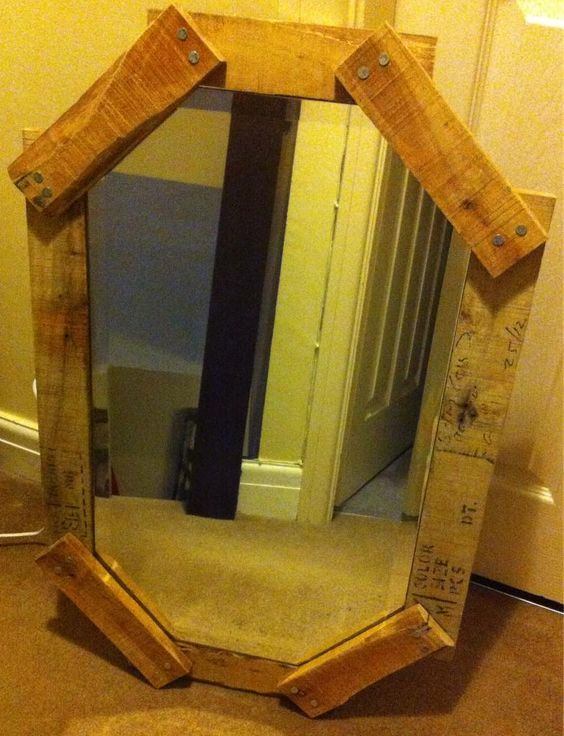 @EcoCreateHour totally reclaimed pallet mirror soon to go on my etsy shop #ecocreatehour #upcycled