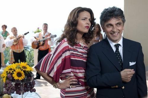 """Spettacoli: #Stasera in #tv: \""""Ex - Amici come prima\"""" su Rai 2 (link: http://ift.tt/1tbAASB )"""